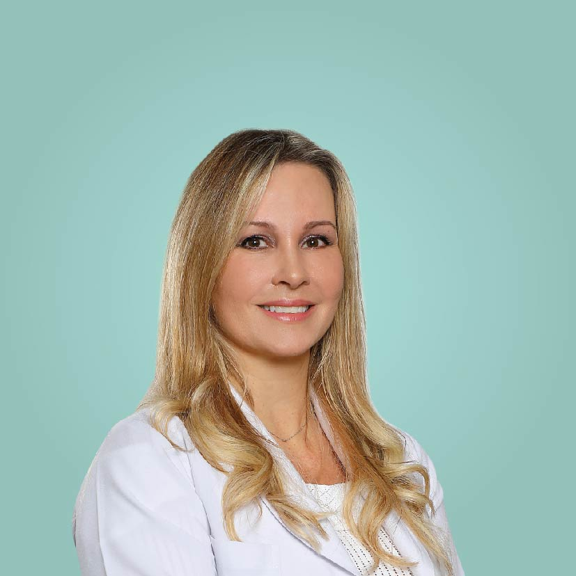 Dr. Claudia Machado - Plastic surgeon